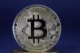 قیمت بیت کوین  از آستانه ۱۰ هزار دلار عبور کرده است
